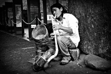 Musica tocando na rua | vão do Masp |SP |Elza Cohen
